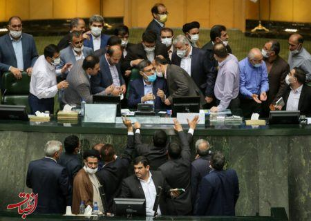 اختلافات مجلس و دولت، برندهای ندارد/ چشمهایشان را به خرداد ۱۴۰۰ دوختهاند